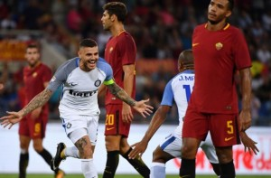 Icardi esulta per il gol.