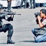 ATTENZIONE       Giornalismo PERICOLO di MORTE