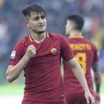 Cengiz Ünder festeggia dopo il gol