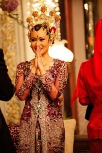 Abito da sposa indonesiano