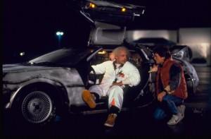 """La DeLorean in una scena del film """"Ritorno al Futuro"""""""