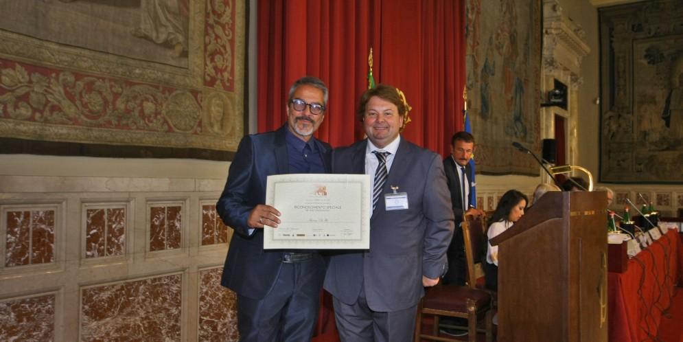 Al produttore esecutivo Antonio De Feo il Riconoscimento per Meriti Professionali del Gran Premio Internazionale di Venezia