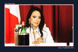 La conduttrice Luz Adriana Sarcinelli (FILEminimizer)