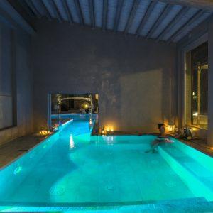 villa piscina interna