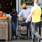 Coronavirus, le vip di corsa al supermercato: guarda la spesa dei famosi